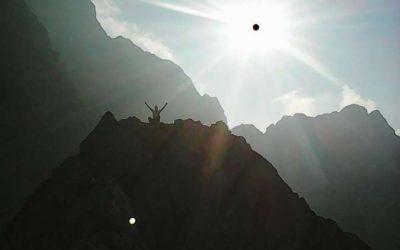 Pozdrav poletju ali kako alpinist opere gate